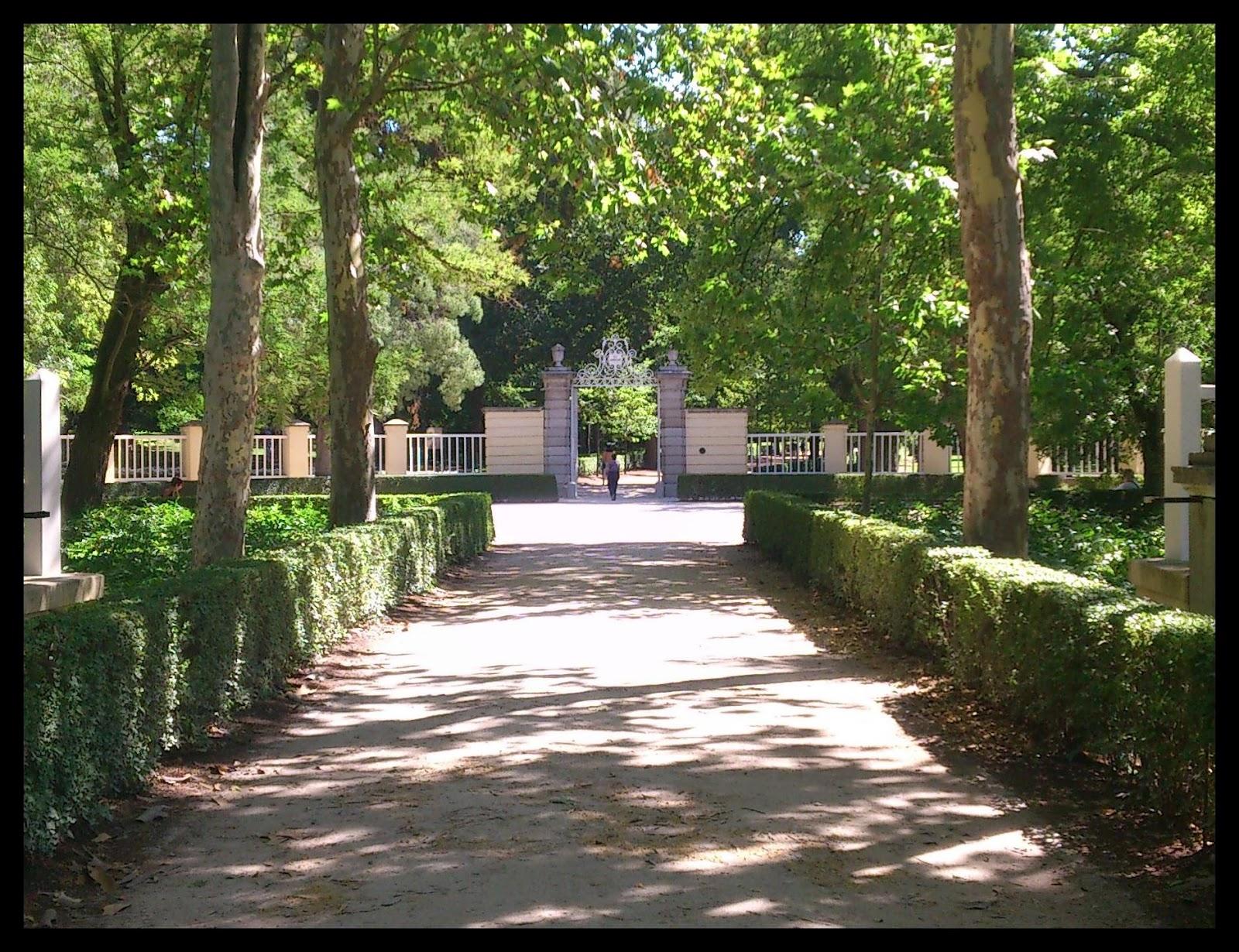 Hasta que duelan los pies parque de el capricho for Jardin historico el capricho paseo alameda de osuna 25
