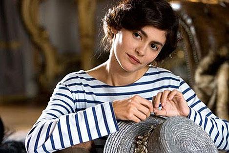 Imagen de Coco Chanel caracterizada por Audrey Tautou - Fuente: http://www.shopperbarcelona.com/coco-chanel/