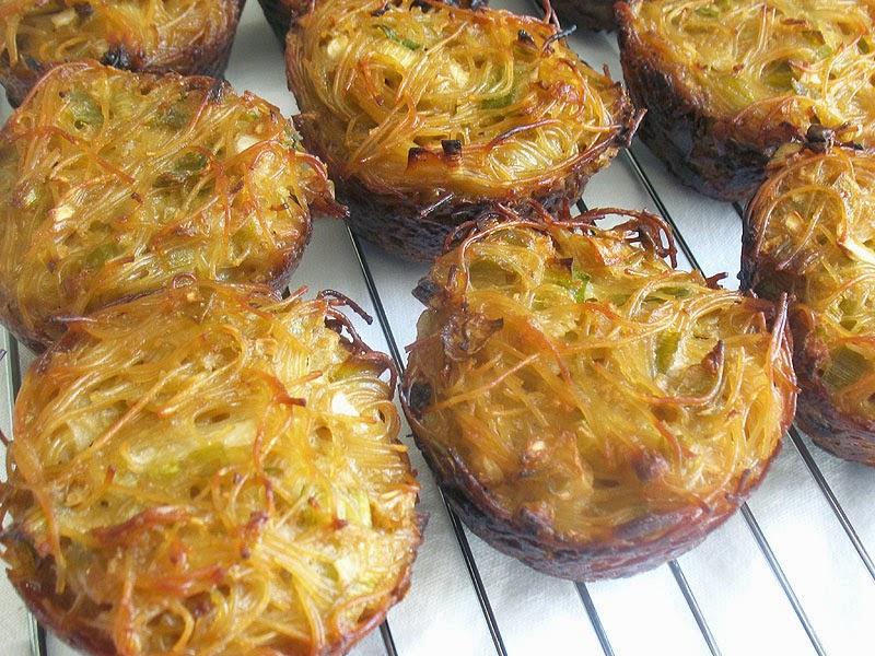 Cabbage and Egg Noodle Kugel | Lisa's Kitchen | Vegetarian Recipes ...