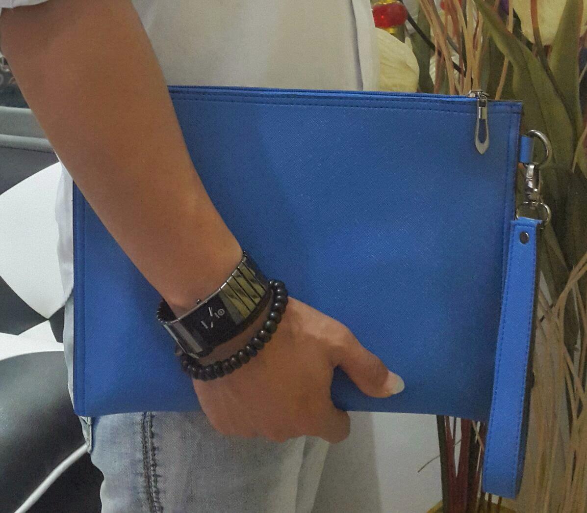 gambar handbag dan clutch bag kualitas kulit asli Clutch bag warna biru tosca kece banget
