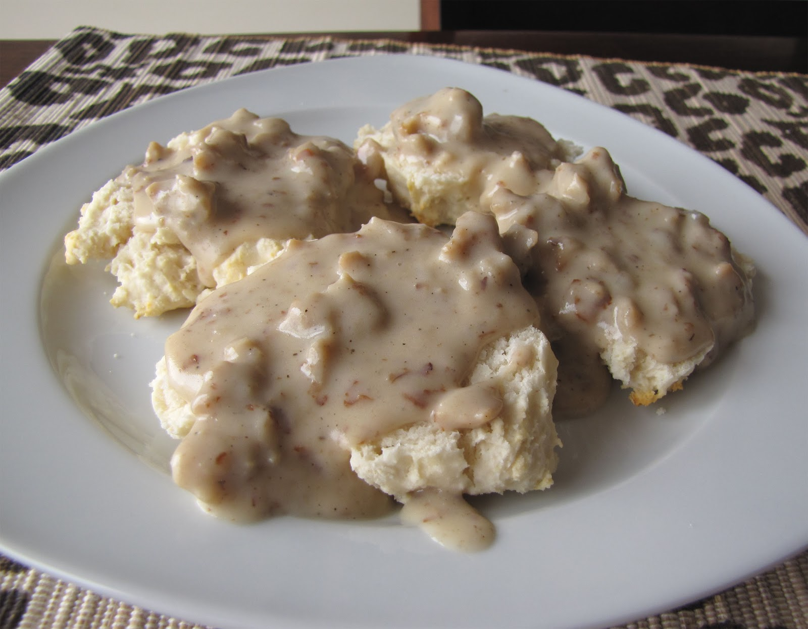 The Snarky Chickpea: Latest Addiction: Vegan Sausage Gravy