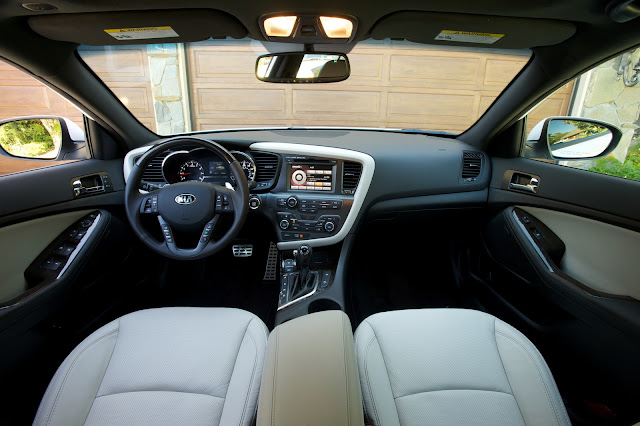 Interior view of 2013 Kia Optima SX