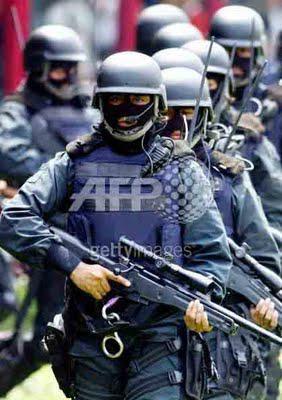 http://www.jadigitu.com/2012/11/kopasus-menempati-3-besar-pasukan-elite.html