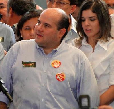 TRE flagra Roberto Claudio fazendo propaganda irregular