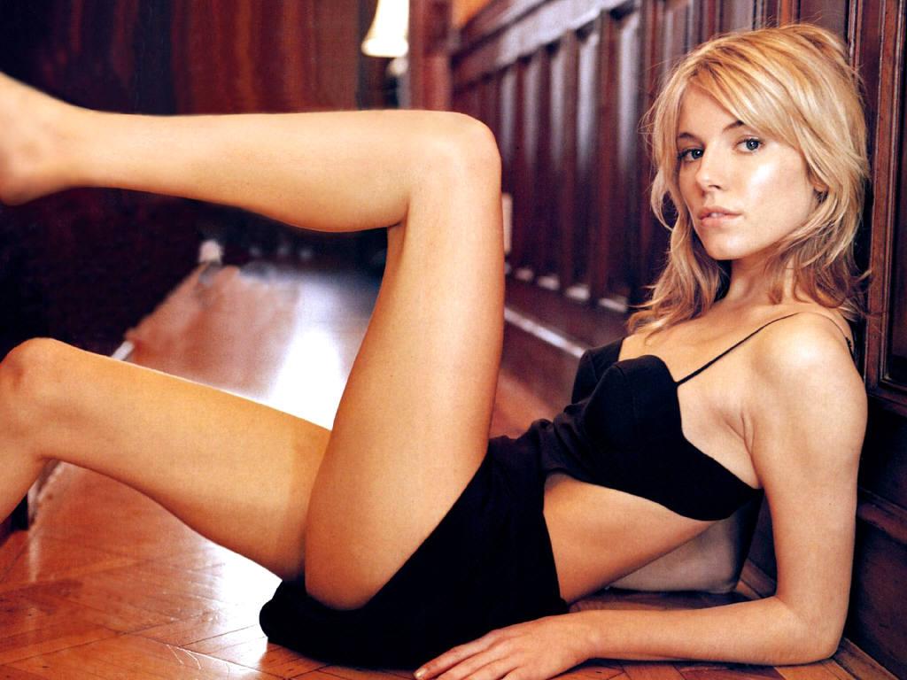 http://4.bp.blogspot.com/-G-LvUzsXBJc/T8-ptebu2EI/AAAAAAAAHJY/IyEc2lx1i3g/s1600/Sienna-Miller-1.JPG
