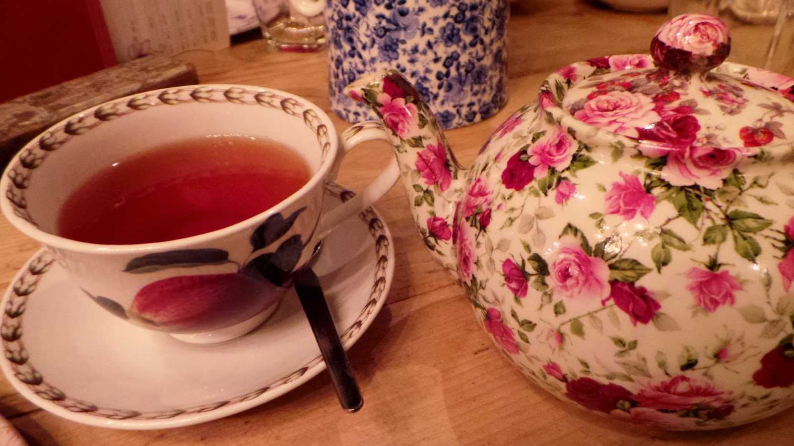 cute floral tea pot