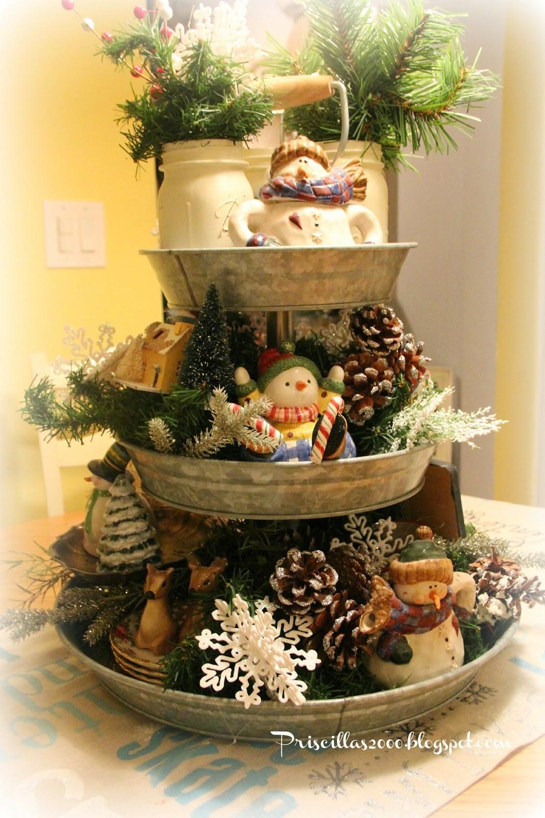 Priscillas a year of the galvanized tiered tray - Etagere weihnachtlich dekorieren ...