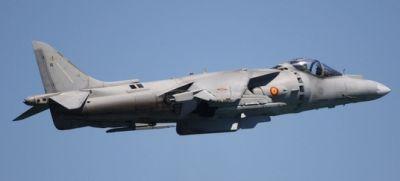 Avión Harrier en vuelo