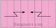 Bước 6: Gấp gấp khúc hai cạnh giấy.