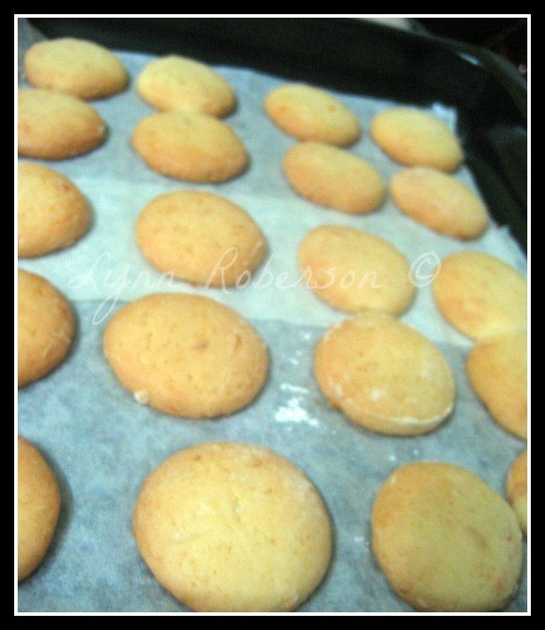 ... Pieces: Cookie Carnival (September) : Pink Grapefruit Sandwich Cookies