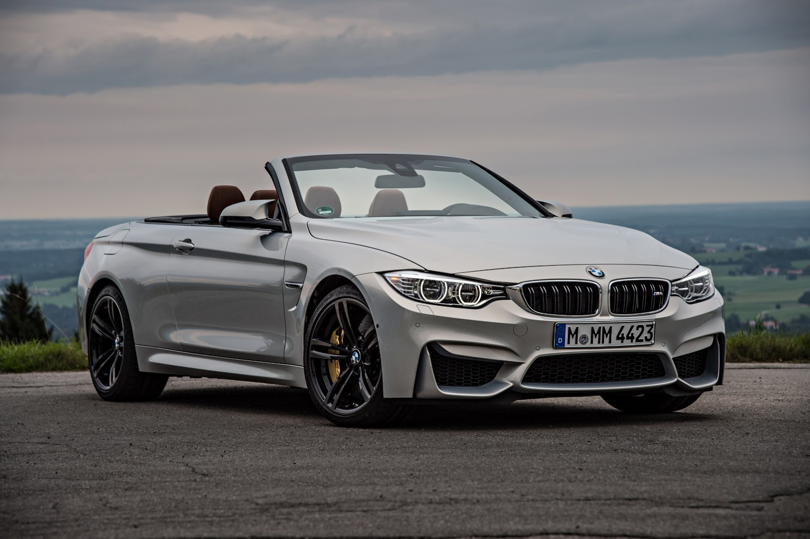 bmw 39 s new m4 convertible in 251 photos and videos carscoops. Black Bedroom Furniture Sets. Home Design Ideas