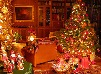 download beautifully decorated pictures of Christmas tree, xmas stocking and gifts for desktop wallpaper