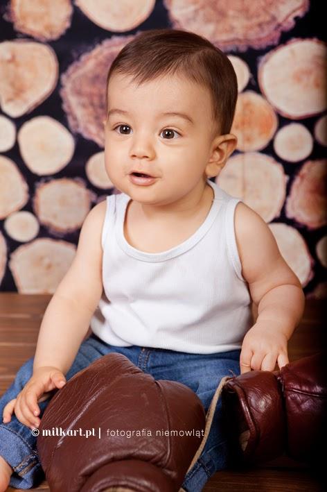 Sesje fotograficzne niemowlaków, fotograf niemowlęcy, zdjęcia dzieci, studio fotograficzne Poznań, artystyczna fotografia