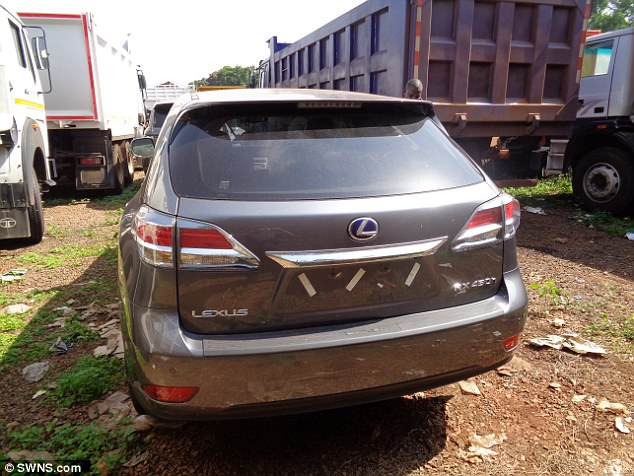 Detectives Trace 29 stolen British cars wasteland in Uganda !