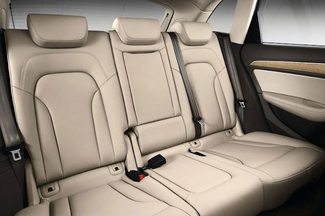 2013 Audi Q5 SUV back sit Interior