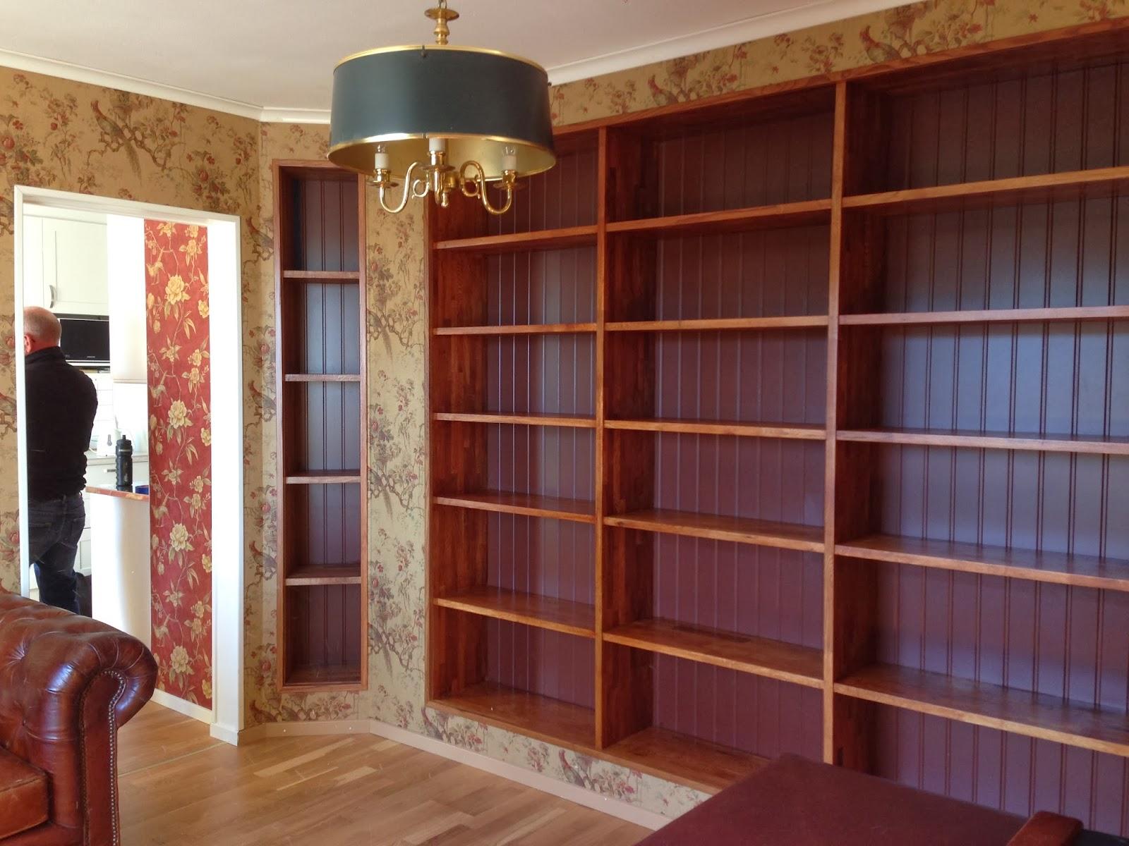 ALF Platsbyggd bokhylla