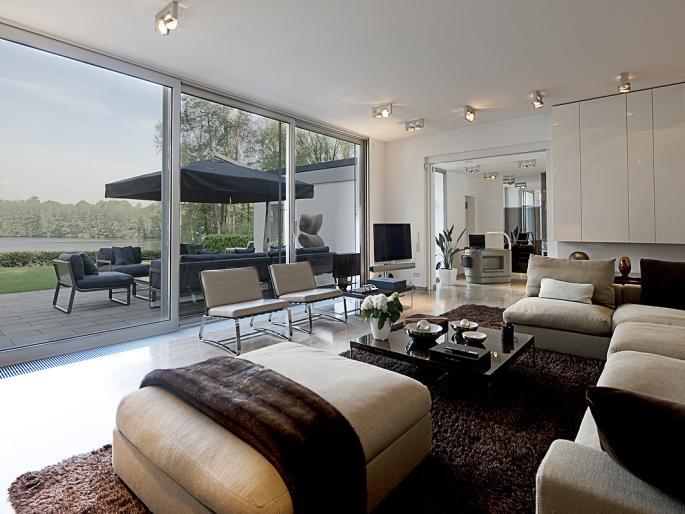 Lakefront Home Interior Design