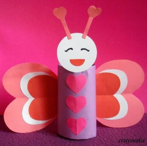 Walentynkowy motyl z rolki po papierze