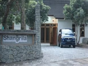 Villa Shangri-la Jogja, Penginapan Murah di Kaliurang