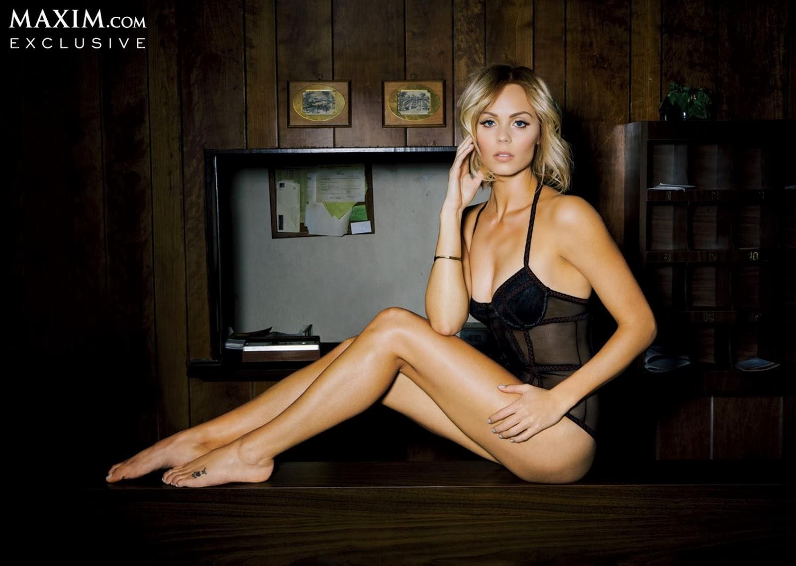 Laura Vandervoort en Maxim por el exito de Bitten 2