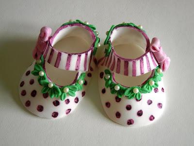 tortenella motivtorten einfach selber gestalten baby ballerina mary jane schuhe anleitung. Black Bedroom Furniture Sets. Home Design Ideas