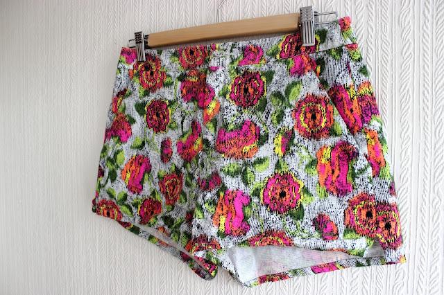 zara, print, floral, shorts, floral shorts, print shorts