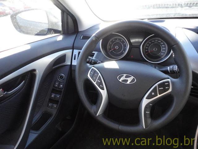 Hyundai Elantra 2012 GLS 1.8L Automático - volante