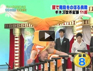 Most stairs climbed on the head on World Records Japan show