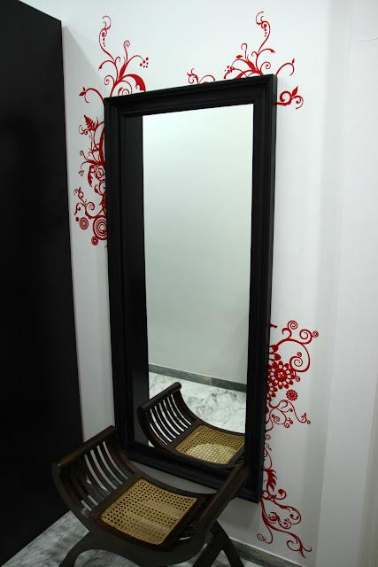 Eri gg francesismi 2 decorazioni attorno allo specchio - Specchio adesivo ikea ...