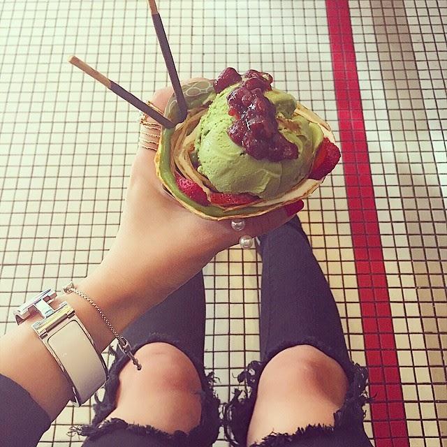 hermes bracelet, monica vinader bracelet, unif ripped jeans, japanese crepes, fashion blog, nyc, eight turn crepes
