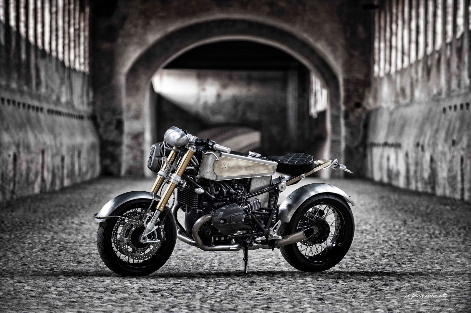 VIDEO bmw RnineT SRS Moto Sumisura
