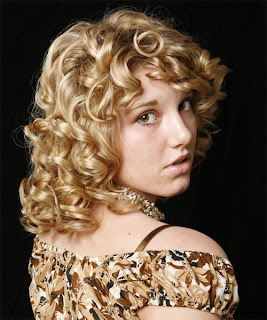 Modern medium curly hairstyles
