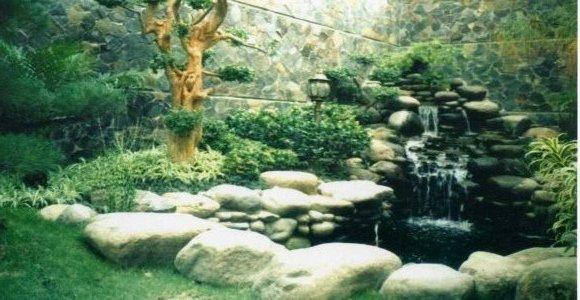 Taman kolam / water wall