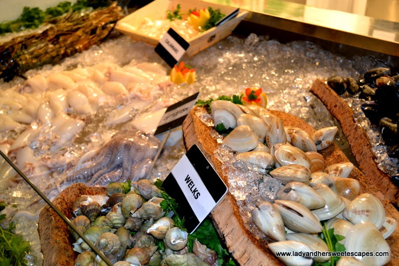 seafood counter at Boardwalk Dubai