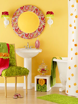 Decore 11 projetos de casa de banho para crian as e for Bright yellow bathroom ideas