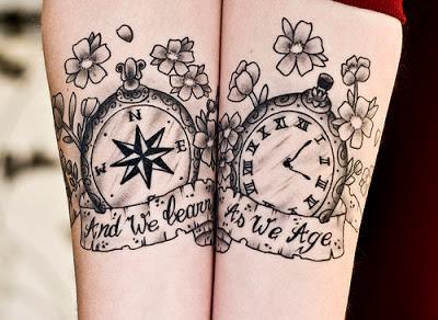 Tatuaje brújula y reloj