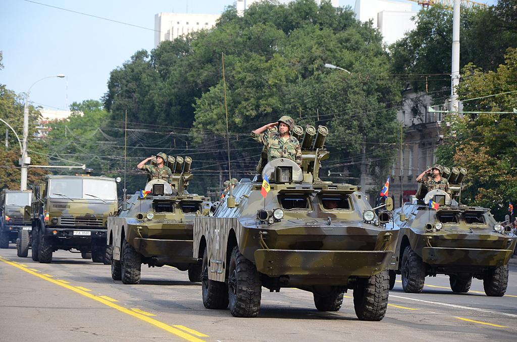 الصاروخ الروسي المضاد للدبابات Konkurs AT-5 Spandrel  Moldova+BRDM2s+with