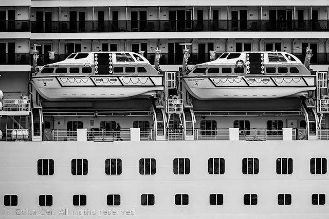 Nave da crociera ormeggiata a Trieste