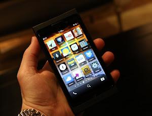 blackberry 10 mendukung siri, aplikasi siri ponsel bb 10 terbaru