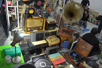 barang antik pasar kangen 2015