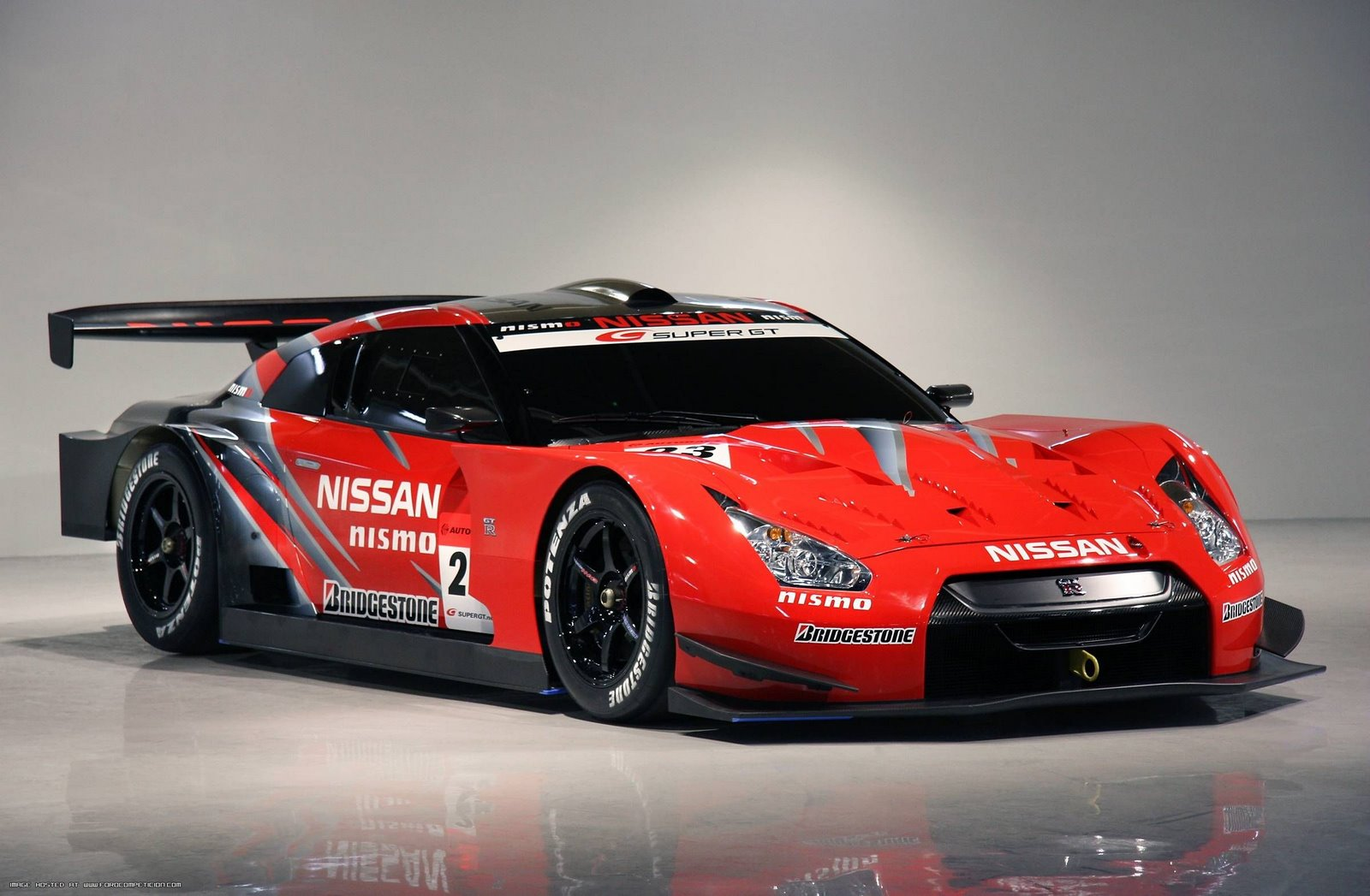 http://4.bp.blogspot.com/-G49T0DbFkhw/TezfczRMNbI/AAAAAAAAAVg/ox3OTZ0t0iE/s1600/nissan-gt-r-2008-super-gt-gt500-test-car-078.jpg