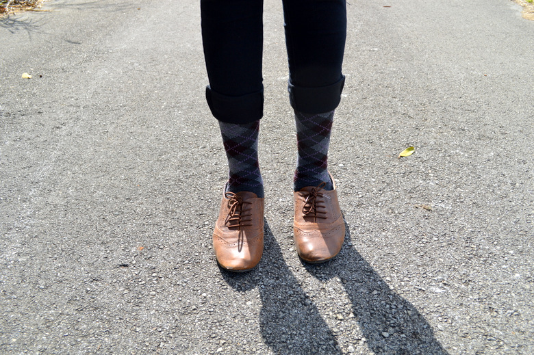 Fashion Blogger Anais Alexandre of Down to Stars in Forever 21 argyle socks with Mossimo oxfords