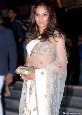 bipasha_basu_in_saree_FilmyFun.blogspot.com