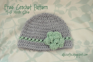 This Beanie With Crossed Texture Detail Row by Alli Crafts is a featured Pattern From the Community on #OuiCrochet