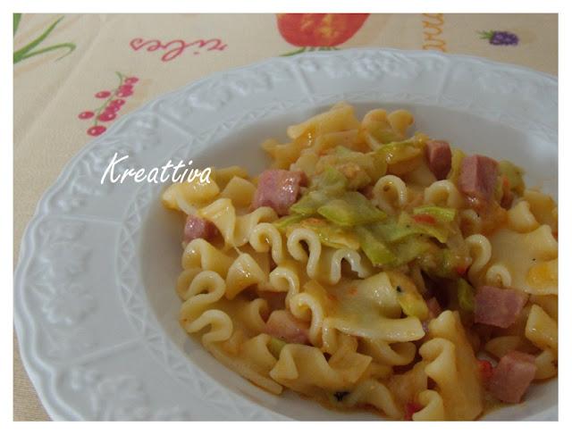 pasta con zucchine,salsa contadina e mortadella