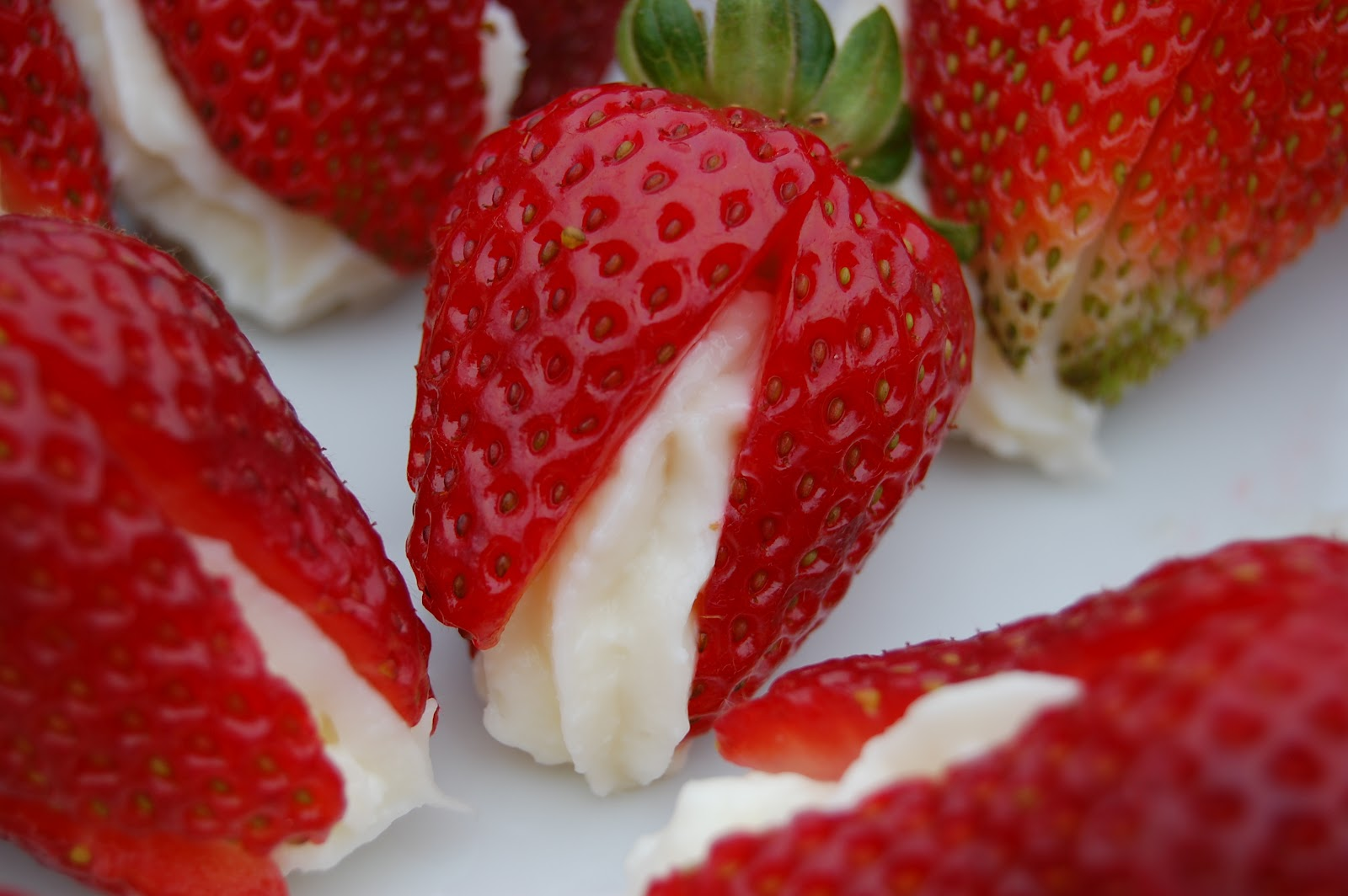 how to keep cut up strawberries fresh