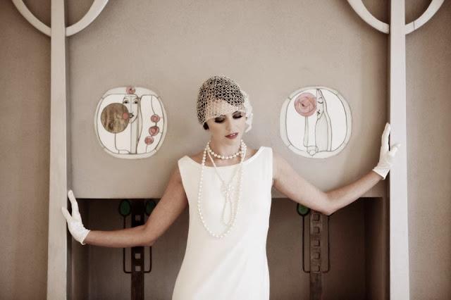 robe de mariée blanche simple morphologie H petite voilette de mariée en birdcage de créateur