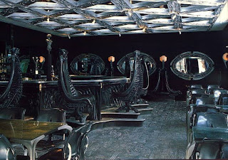 HR Giger design,Alien-bar