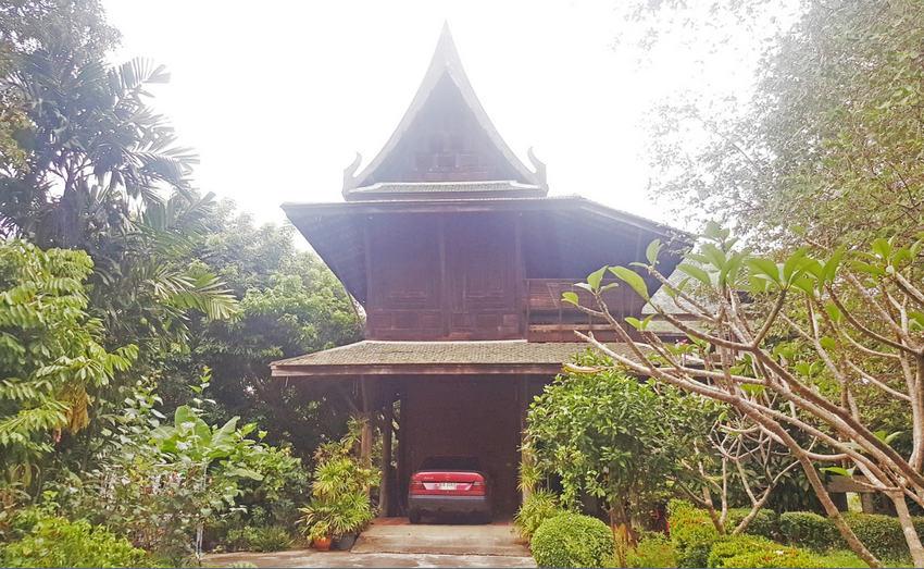 บ้านทรงไทย ไม้สัก ศาลายา