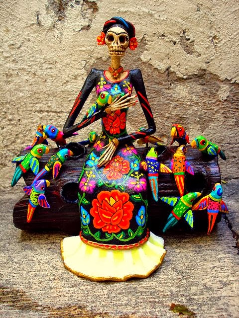 Frida Catrina de papel mache.